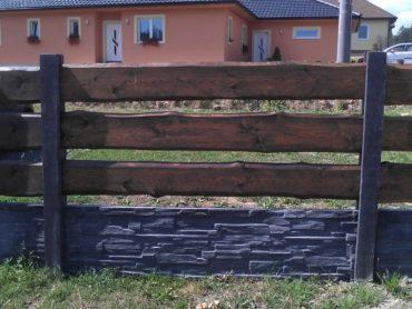 Černo-šedý betonový plot aneb fantazii se meze nekladou 01